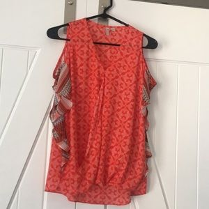 Cold shoulder flowy lightweight too size XS
